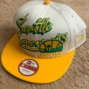 NWT NBA Seattle Supersonics SnapBack Cap Med/Large